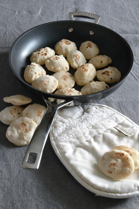 la mamma pasticciona: sgonfiotti con pasta madre cotti in padella