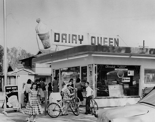 Dairy Queen 1950s | ... of the new Dairy Queen store at 11334 Moorpark, North Hollywood