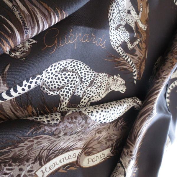 9d319ca12c7b hermès foulard Les guépards,les guèpards carré hermès,les guépards,silk  scarf,setasciarpa,schal,seidentuch,luxe,accessoire