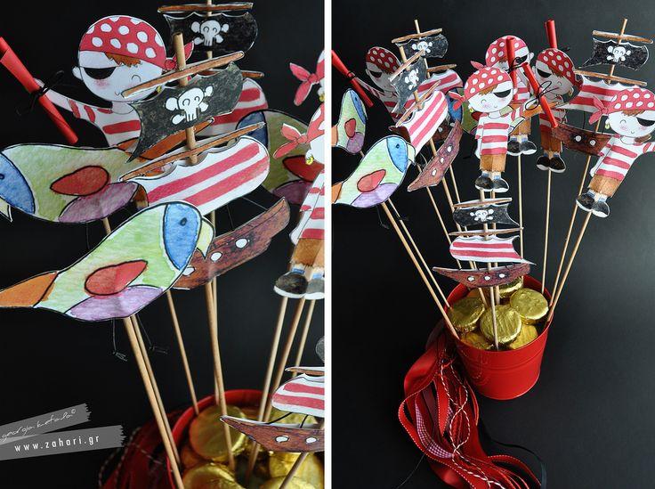 Ξύλινα διακοσμητικά stick με θέμα τους πειρατές.