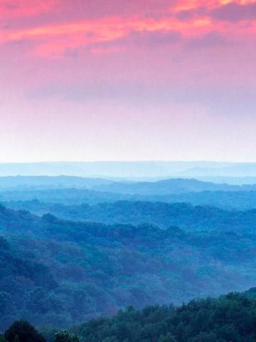 Brown County State Park ~ This site also give 20 top places to visit in Indiana.