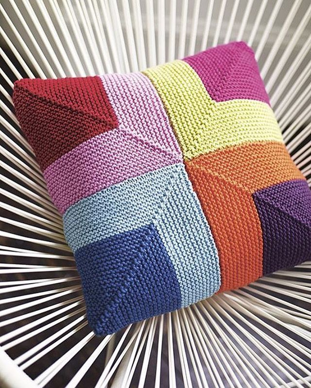 Geometric Cushion Knitting Pattern : 17 Best images about kirlentler on Pinterest Baby knitting patterns, Geomet...