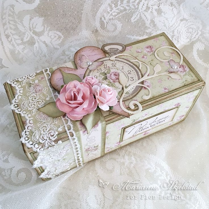 I have made a box for After Eight chocolate from the new collection Where the Roses grow. Have a lovely day! Marianne. Pion products: Where the roses grow – Rose meadow PD8203 Where the roses grow …