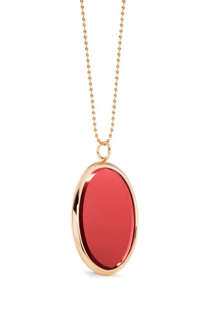 The new Boheme medallion by Lilou: a trendy and colourful pendant where you can engrave a personal message! #lilou #medallion #necklace #Boheme #trendy #personal