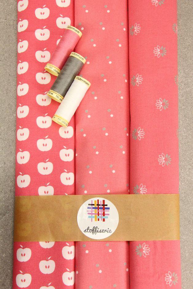Stoffpakete - Stoffpaket Baumwolle ★Äpfel Punkte Seerosen ★ - ein Designerstück von stoffiserie bei DaWanda