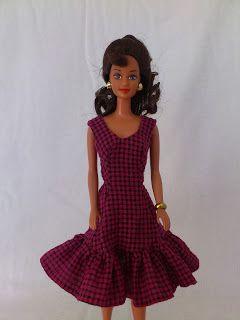 Barbie a Porter: Pequenas Experiências - Restauração Leve e Molde para Barbie - Vestido Evasée com Babado