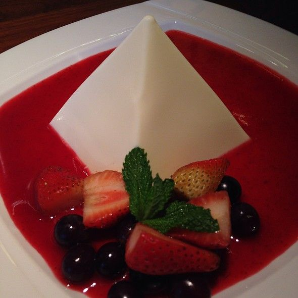 Yoghurt And Berries Pyramid @ P.F. Chang's