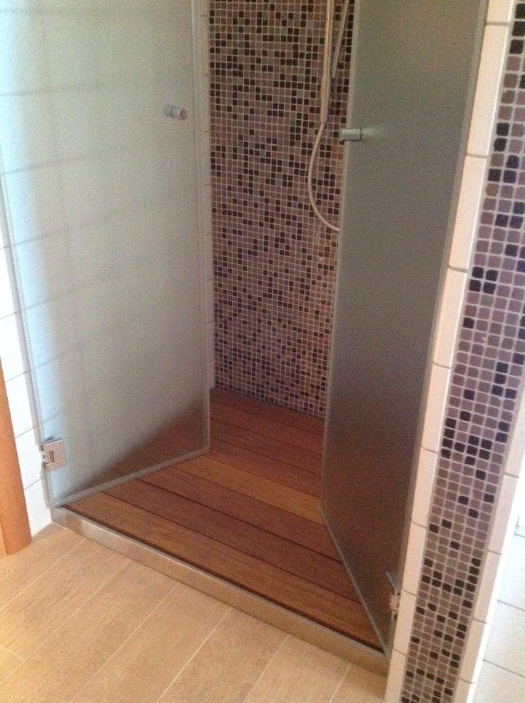 Piatto doccia da appoggio, modello P Dreno Plus realizzato in acciaio inox con frontalino rifinito a vista. #doccia #bathroom #design #homedecor