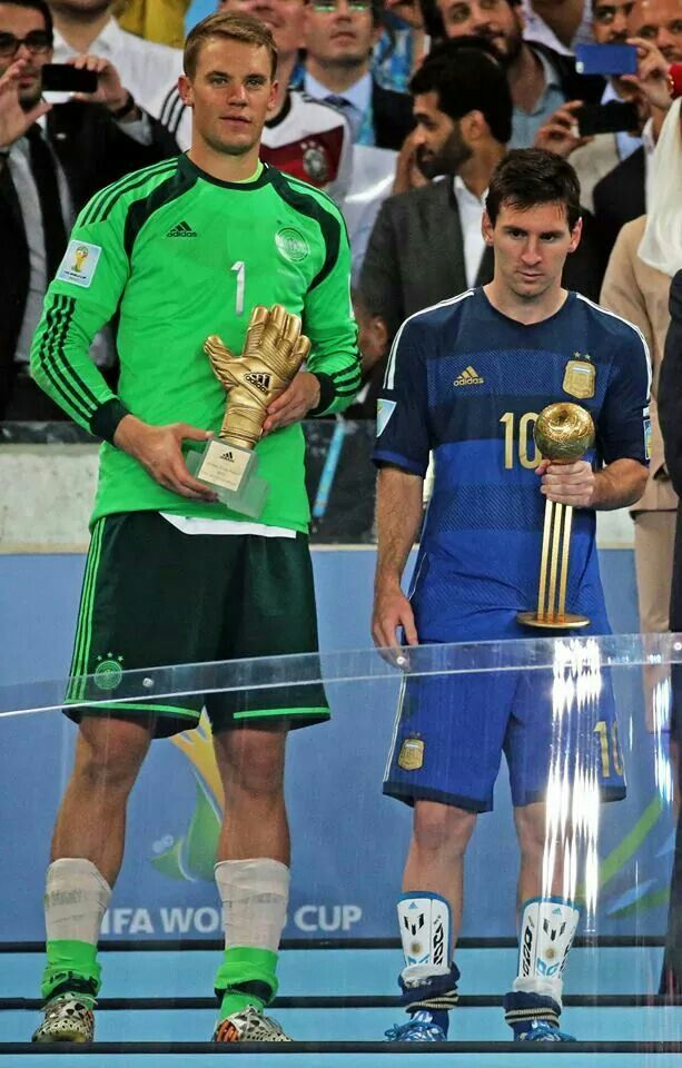 Gosh! He's so short still unbeatable and the best #Messi #LoveYou #Respect