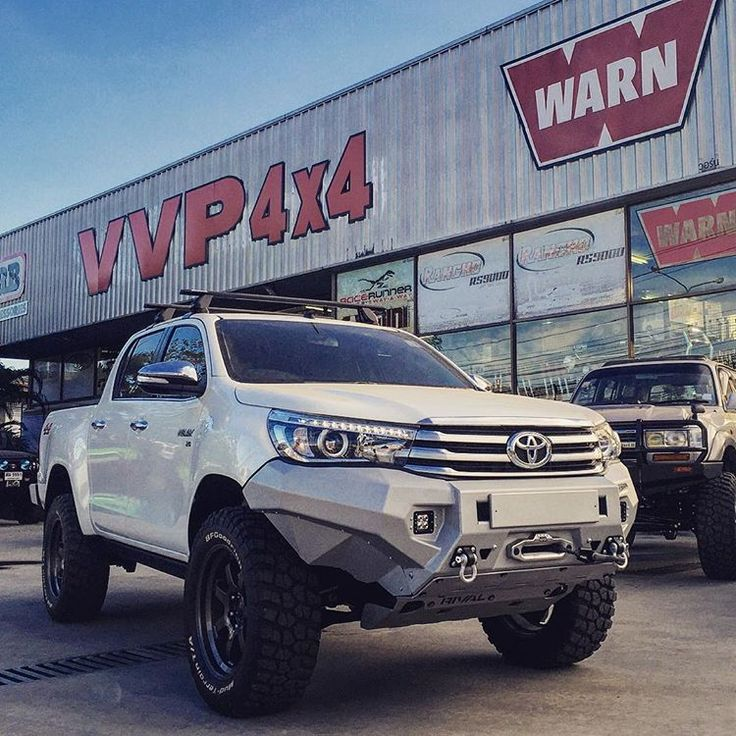 •••••••••• Toyota Hilux Revo with RIVAL alloy bumper and alloy underbody armor. Toyota Hilux bumper RIVAL aluminum and aluminum underbody protection of all RIVAL.