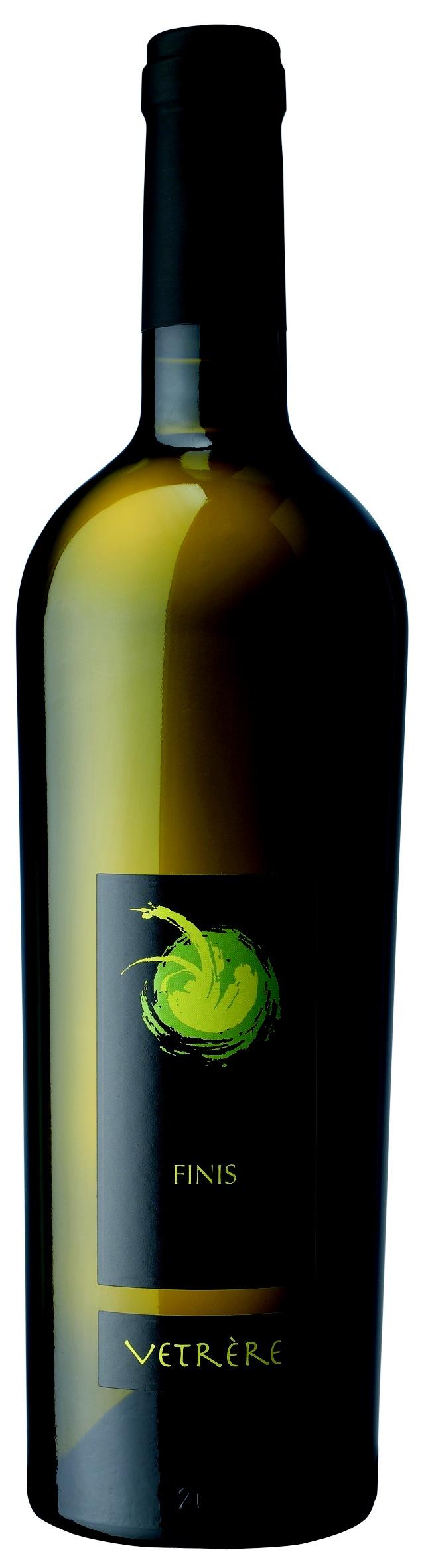 FINIS (Bianco) Salento bianco IGT Uve: Chardonnay Abbinamento ai cibi: aperitivi, piatti di pesce, ricotta fresca, formaggi a pasta filata