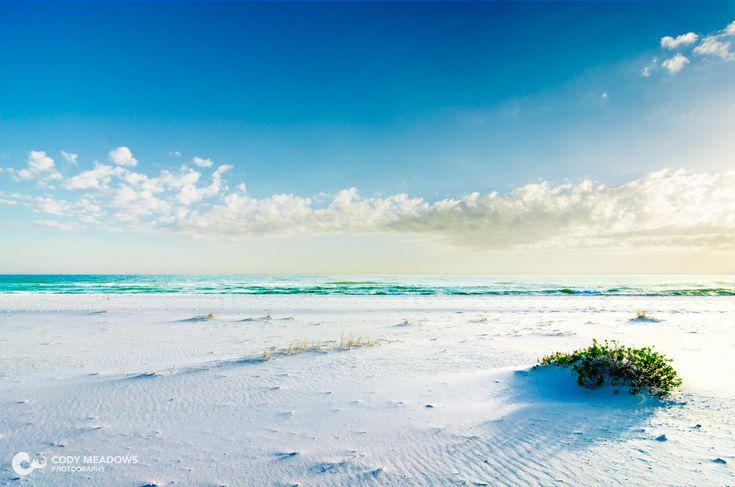 Pure white sand on Pensacola Beach FL [OC] [1920 x 1272]