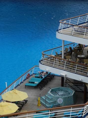 Cruise ship Carnival Paradise Serenity