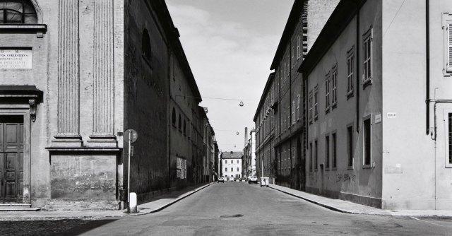 Galleria Civica Modena, fabbriche e notti da balera nelle foto di Gabriele Basilico - Il Fatto Quotidiano