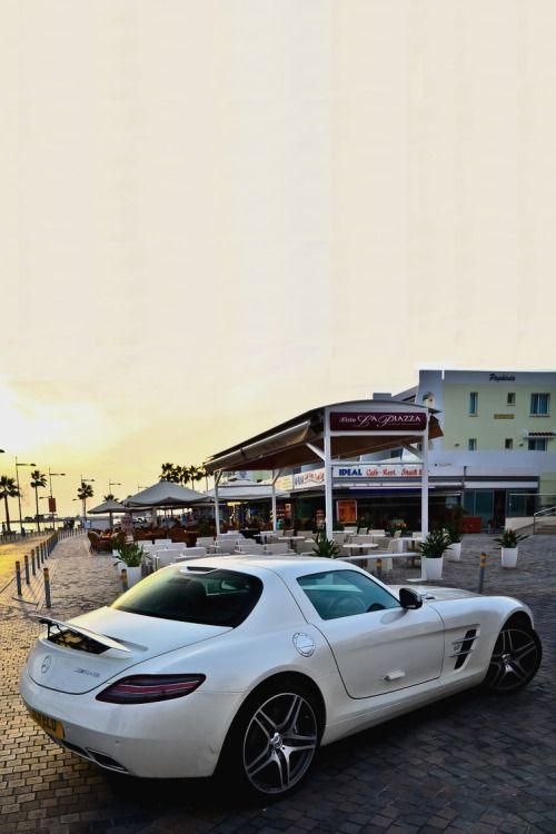 visualechoess:  Mercedes Benz SLS - Sunset