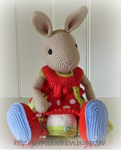 Amigurumi Bunny Knitting Pattern : 281 best Amigurumi images on Pinterest