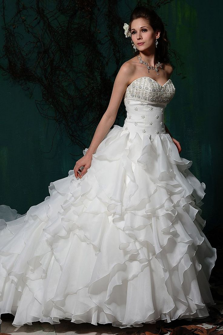 331 best Wedding Dresses I Love images on Pinterest | Wedding ...