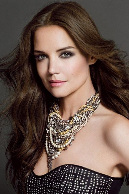 Katie Holmes, statement necklace.