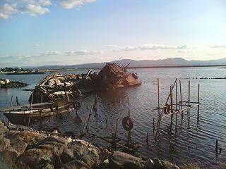 大根島の廃船たち。