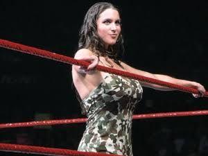 「Stephanie McMahon」の画像検索結果
