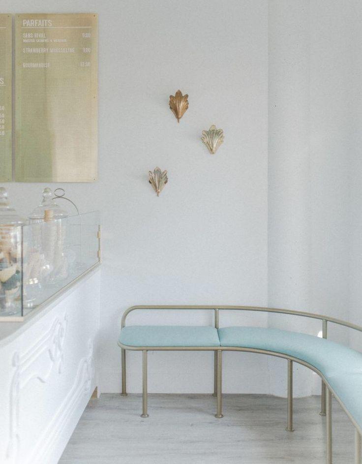 Design Crush: Eine ohnmächtige Eisdiele mit romantischem Flair – Western Li …   – Retail/Coffee Shops and Cafes