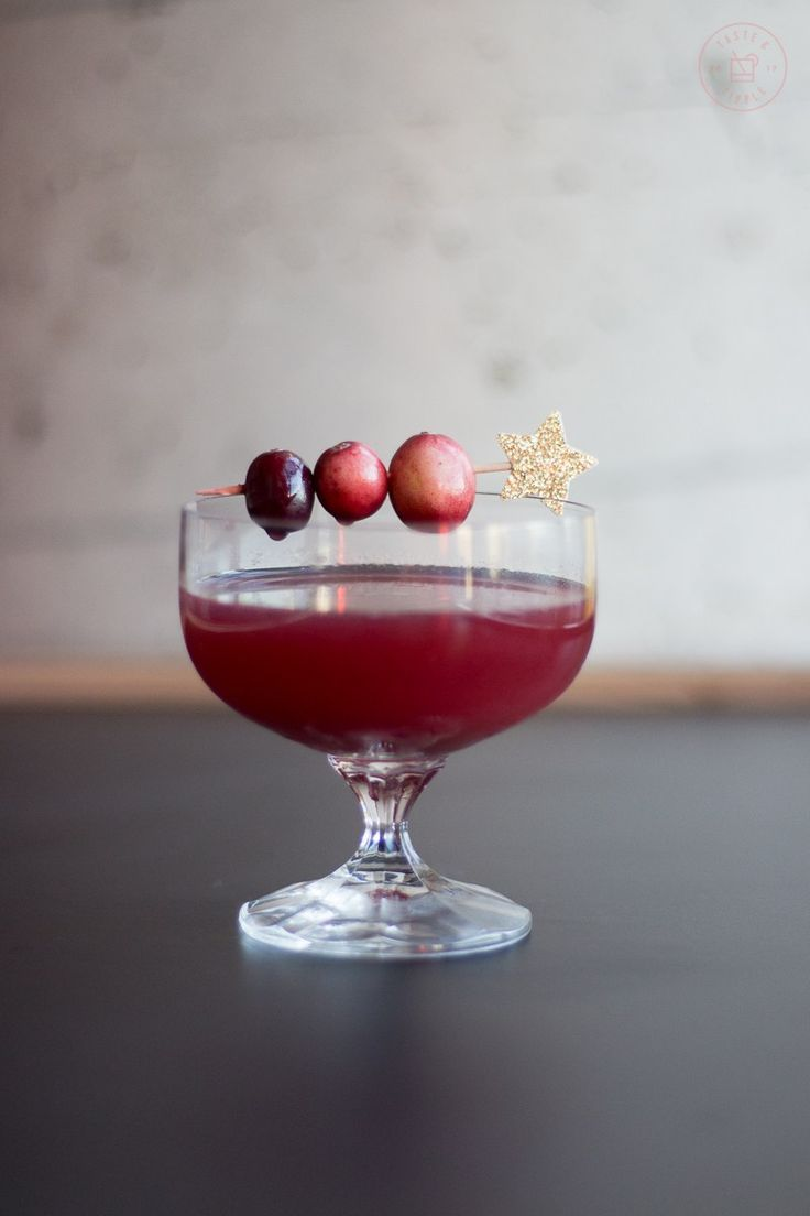 Cranberry Constellation Taste And Tipple Food Lifestyle Blogger Recipe Delicious Cocktails Cranberry Candy Cocktails
