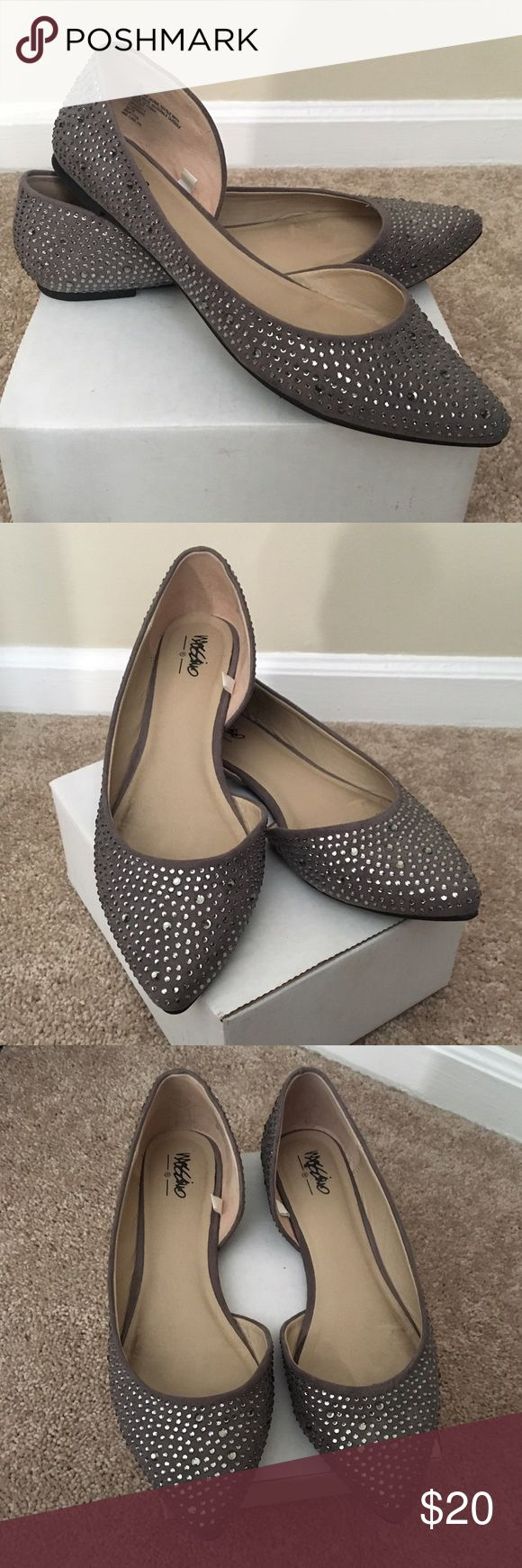Massimo Gray Flats Beautiful Massimo Gray w/ studs on the outside of flats.  In excellent condition!! They're very adorable dress up or down flats!! Massimo Shoes Flats & Loafers