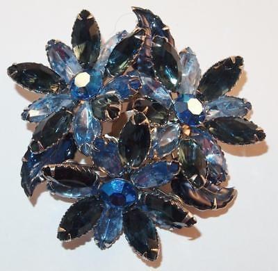 VINTAGE SILVERTONE MOLDED BLUE GLASS RHINESTONE FLOWERS CHUNKY BROOCH PIN