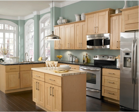 Kitchen color with oak cabinets.