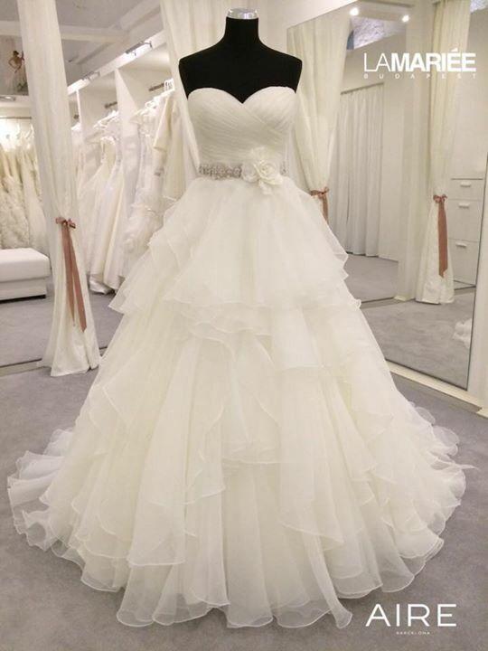 Aneto esküvői ruha - Aire Barcelona kollekció 2015 - La Mariée Budapest szalon http://lamariee.hu/eskuvoi-ruha/aire-2015/aneto