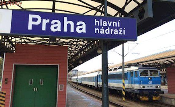 Ranní vlaky v Praze ochromila porucha: Spoje na sever nabíraly zpoždění