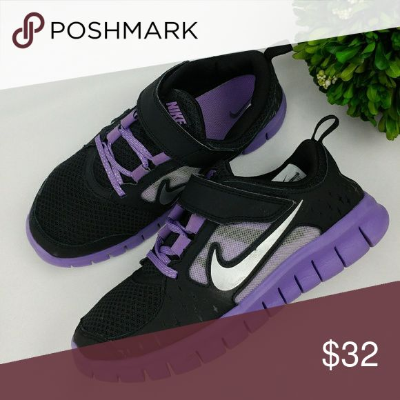 Nike free run 3 girls 3Y Washed and sanitized  Has minor scuffs/stains 22 cm 3Y Nike Shoes Sneakers