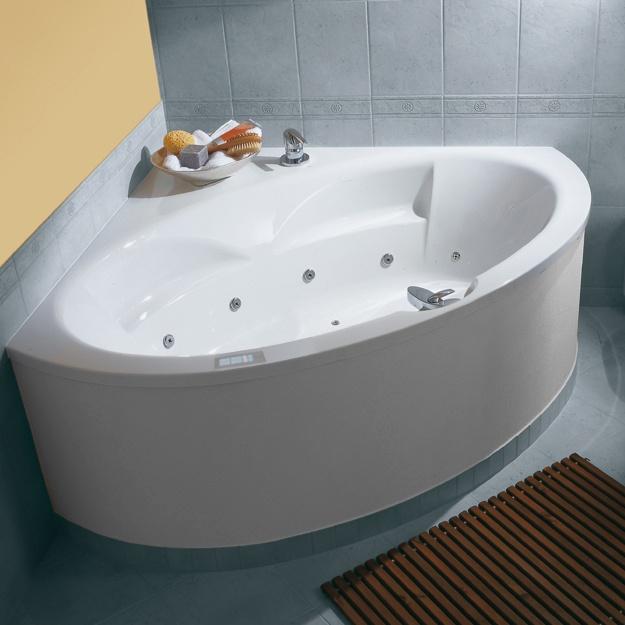 MALAGA  Die platzsparenden Ecklösungen  Große Liegelängen und großzügige Innentiefen. Malaga Eckbadewannen bieten viel Platz zum Träumen und Entspannen. Genießen Sie gehobenen Badekomfort und freuen Sie sich über sinnvolle Ausstattungsdetails. Alle Badewannen können mit verschiedenen Whirlpoolsystemen ausgestattet werden.