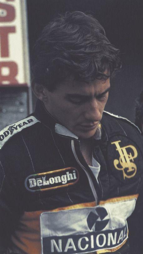 Ayrton Senna ídolo Mundial - Simbolo de caráter e respeito Humano....