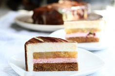 Очень ароматный и нежный муссовый торт, с приятной кислинкой ежевики и ароматом осенней груши. Торт диаметром 18 сантиметров и высотой 5 сантиметров. Для основы я…