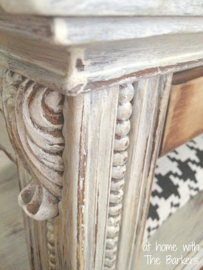 Coffee Table Makeover-Distressed details