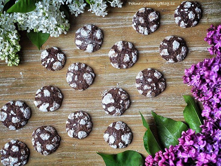 kakaové crinkle cookies www.peknevypecenyblog.cz