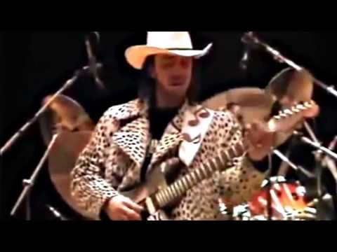 Rare Stevie Ray Vaughan footage ~~> Live Sound Check 1986....warming up on Rude Mood and wailing the blues with Double Trouble (Tommy Shannon, bass; Chris Layton, drums; and Reese Wynans, keyboards).