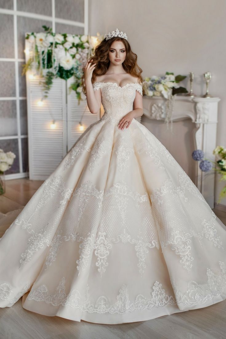 The Best Wedding Dress Catalogue Seeking Modern Bridal Gowns Versions Come By Our Website Right Now