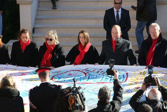 Paulina Ducruet vuelve a acompañar a su madre, la princesa Estefanía, en la lucha contra el sida - Foto 2