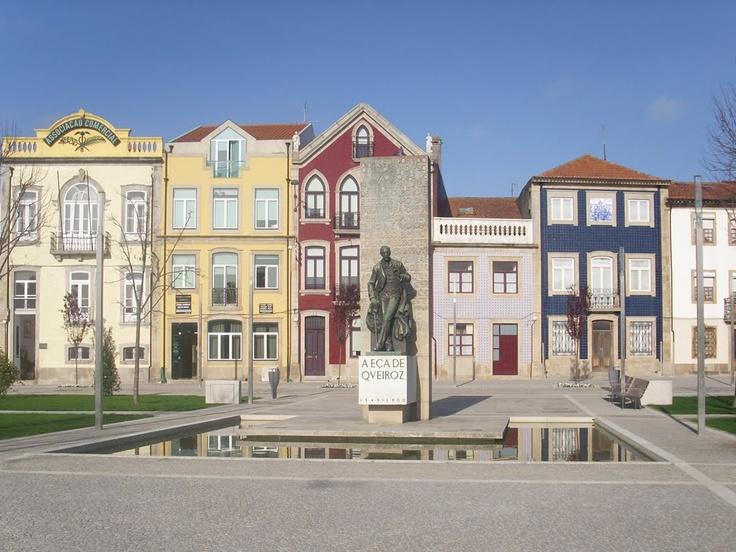 Estátua de Eça de Queirós, na Praça do Almada  Póvoa de Varzim  Portugal