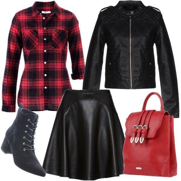 36bde8fc91fb Camicia a quadri rossi e neri di vestibilità aderente abbinata a gonna  corta in ecopelle nera