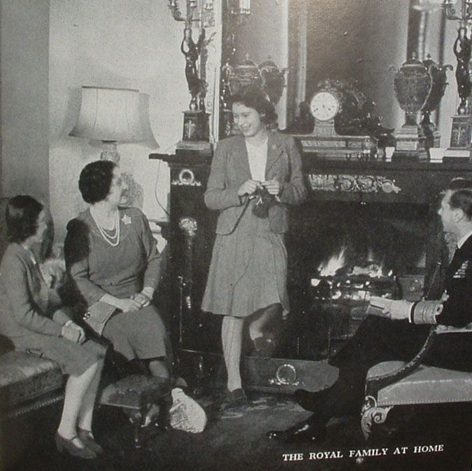 Queen Elizabeth knitting