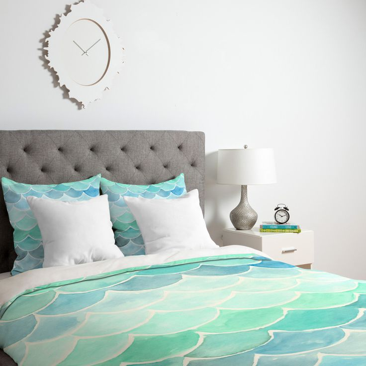 Turn your basic, boring down comforter into the super stylish focal point of your bedroom. This Lightweight Duvet is made from an ultra soft, lightweight woven polyester printed top with a 100% polyester bottom.