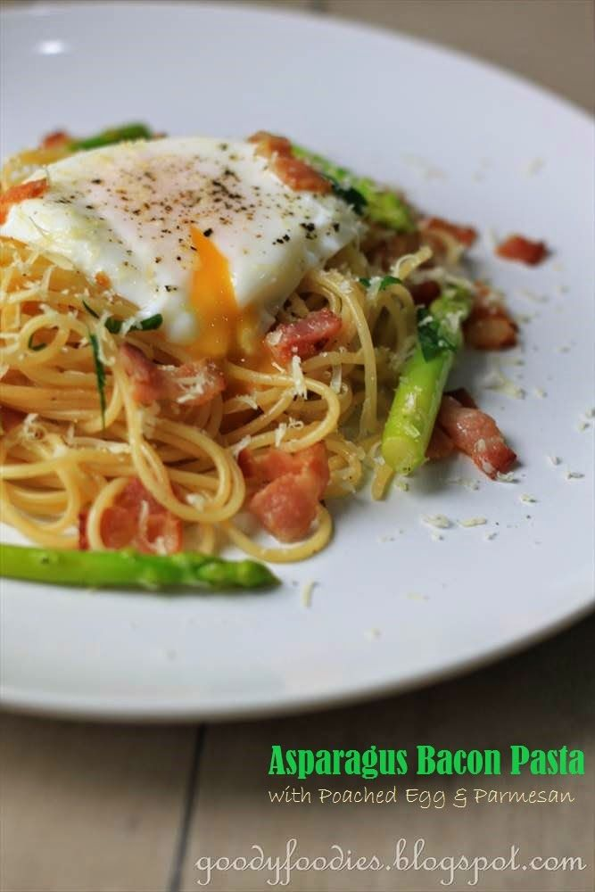 GoodyFoodies: Recipe: Asparagus Bacon Pasta with Poached Egg and Parmesan
