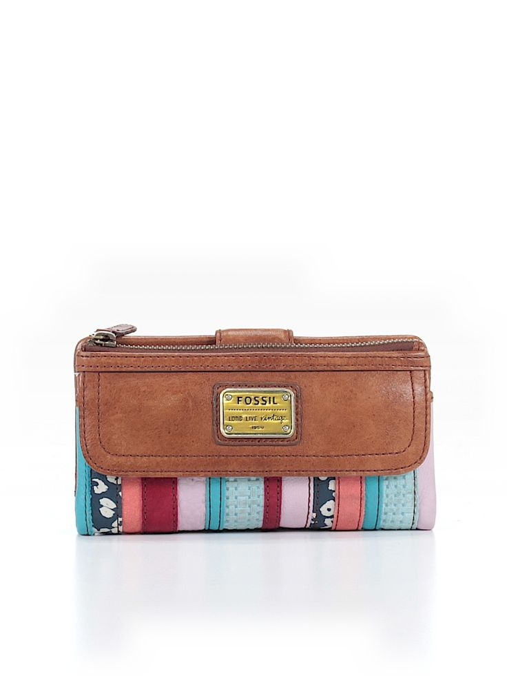 Check it out - Fossil Leather Wallet for $22.49 on thredUP!