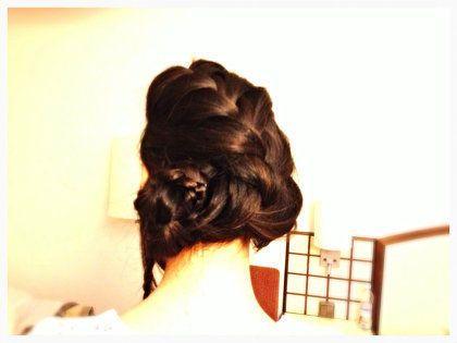 ヘアスタイル:編みこみまとめ髪