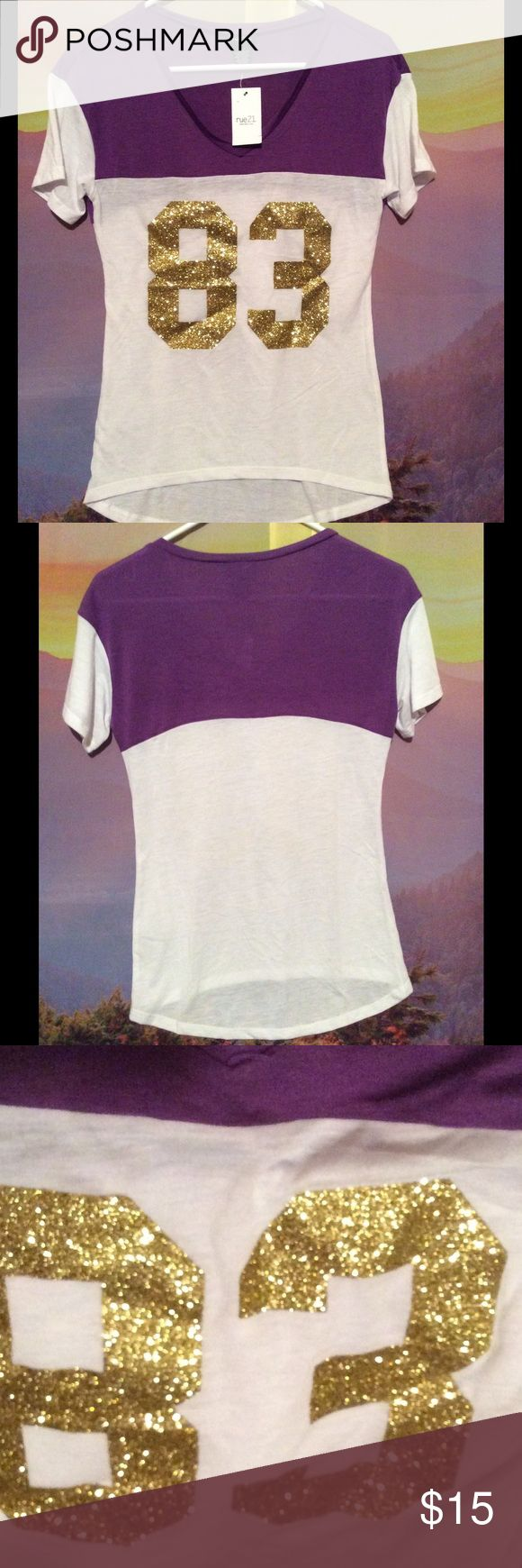 Super cute purple and gold tee #83 Stylish and golden #83 rue21 tee. Make me an offfer! Rue 21 Tops Tees - Short Sleeve