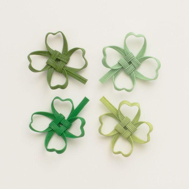 幸せを運ぶ四つ葉のクローバーの箸置きです。立体的に作られており、季節を味わうインテリア小物として、お部屋に飾るのもおすすめです。 少しずつ色味が違うので、たくさん並べると美しいグリーンのグラデーションを楽しめます。
