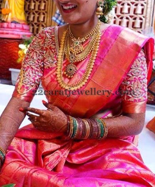 Jewellery Designs: South Indian Bride Traditional Gold Sets